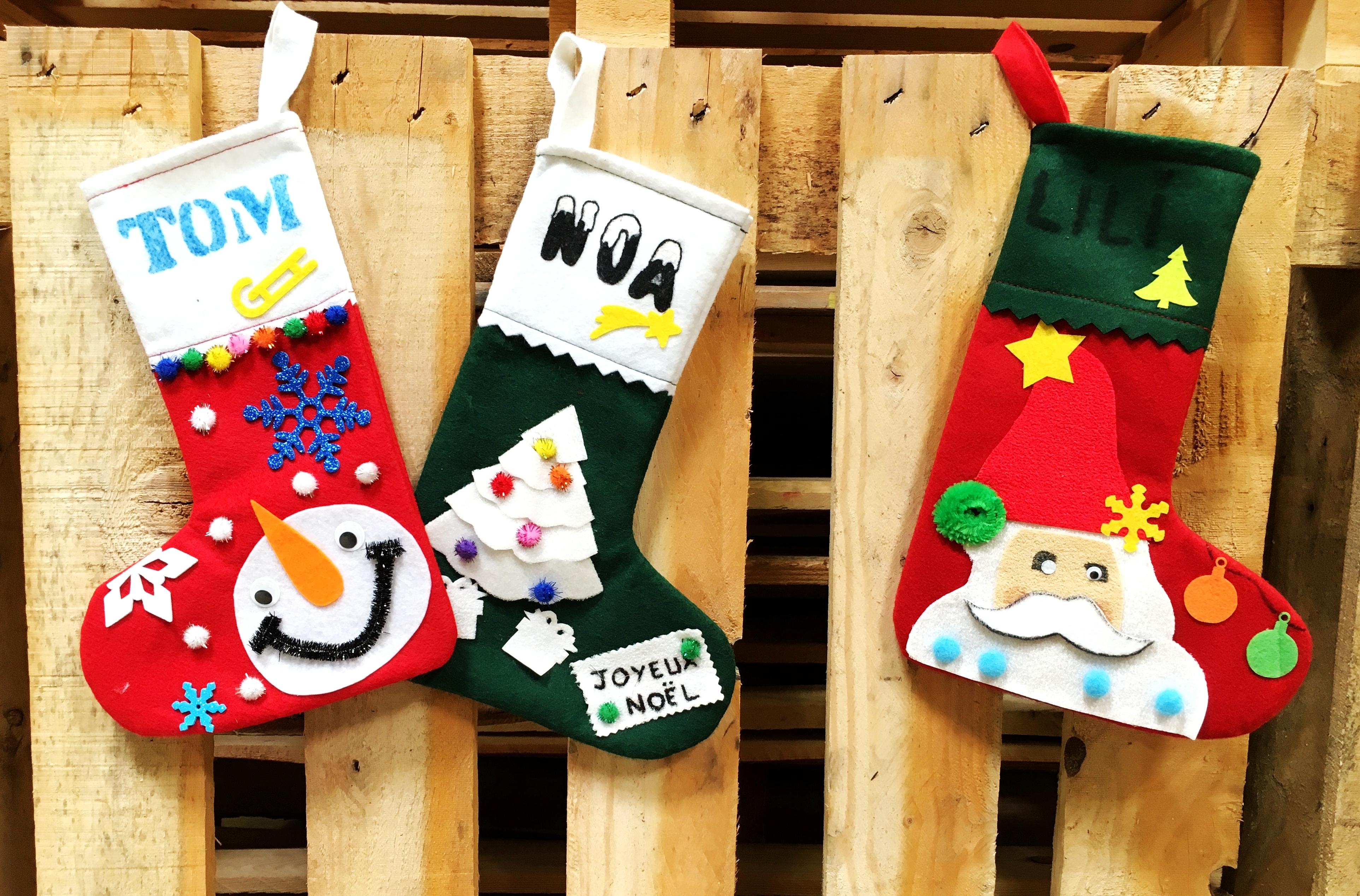 Fabriquer Deco Noel En Feutrine kit chaussettes noel en feutrine 10 couleurs sodertex objet